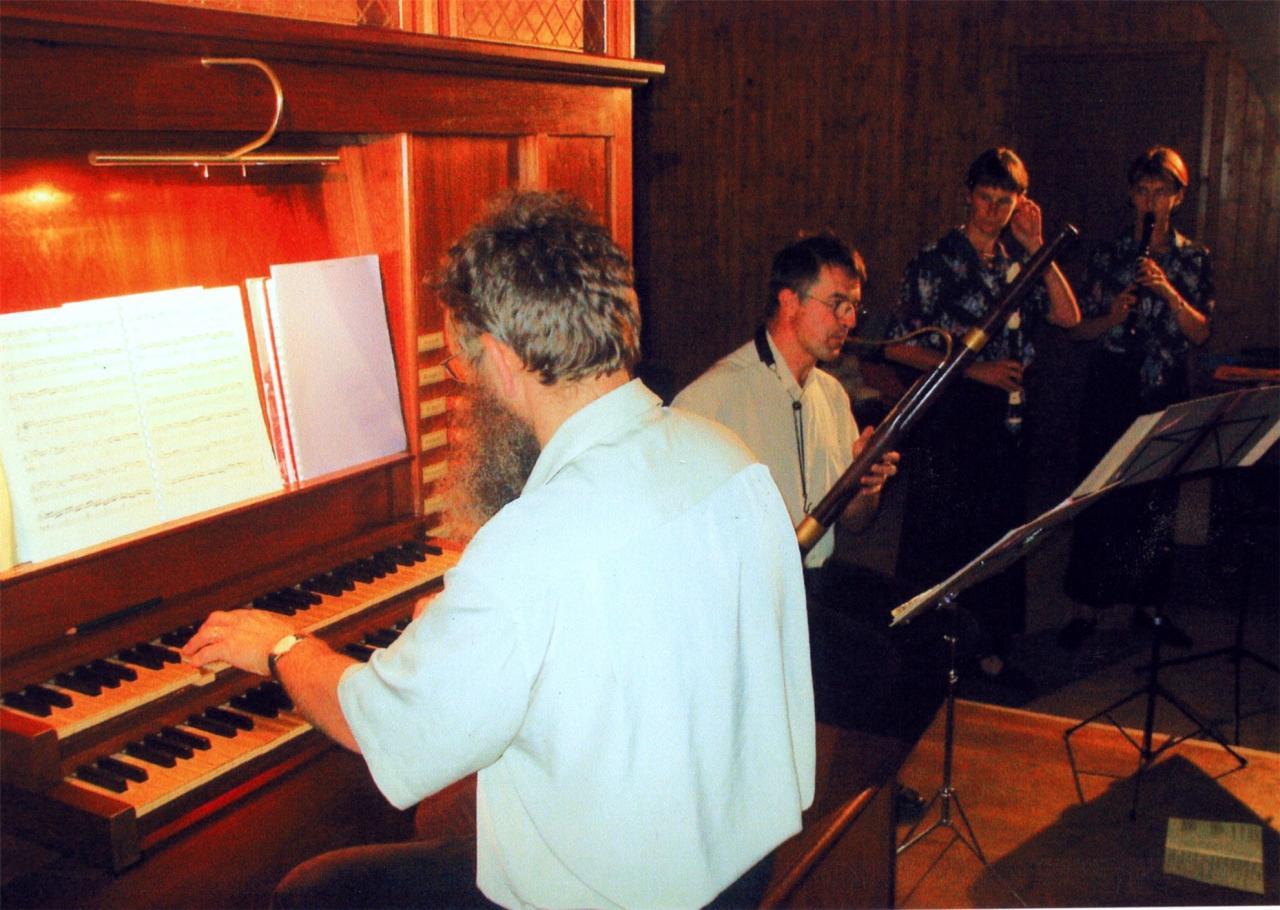 août 2004: Deux flûtes à bec, basson orgue